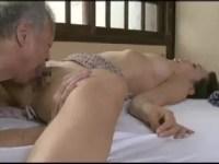 美人な人妻達が夫以外の男に力づくでおまんこを突かれ激しく悶える熟女セックス動画