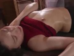 美人な若妻がエステで媚薬を使われ何度も昇天していく熟女セックス動画