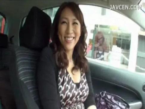 笑顔と熟したそそる体が素敵な40代のおばさん妻がav出演で久しぶりの快感でおめこを濡らすjyukujo動画画像無料tokyo