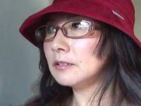 普通の田舎のオバハーンがアダルト男優のセンズリ鑑賞で慣れた手つきで手淫する塾女性雑誌40 50 60