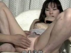 美人な人妻が脅されながらおまんこを濡らして悶える個人撮影の無修正動画