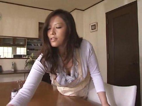 妖艶で豊満な五十路熟女が熟年夫婦の夜の生活が大好きで毎日激しいセックスをしてる熟年カップル動画無料
