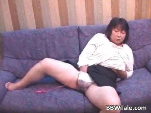 60代の高齢者の夫婦がラブホテルで個人投稿をしてる昭和のおばあさんの熟女動画画像無料