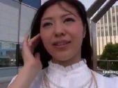 美人妻がホテルや道中でフェラ抜きしたりリモコンバイブや生ハメ中出しのハメ撮りする無修正熟女動画