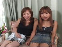素人の娘と母でAVに出演しちゃう淫乱な母と娘の無修正乱交動画