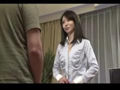 川峰さくらが着衣のままセックスしてるjyukujo動画