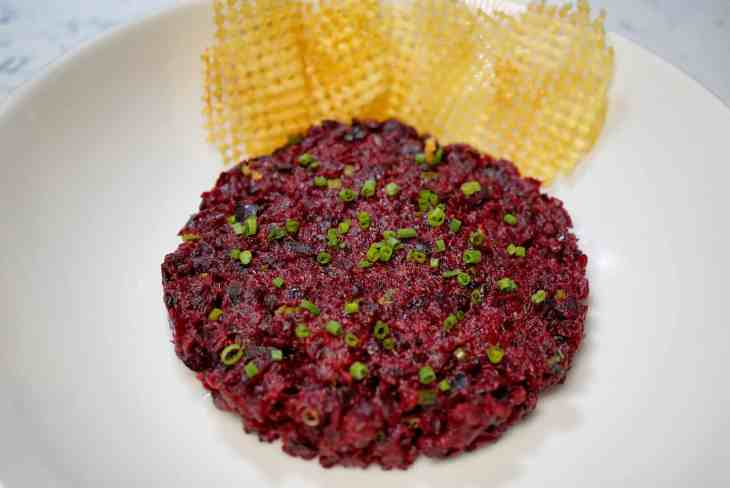 Beet Tartare with chips from Baltimore French Restaurant Chez Hugo in Baltimore