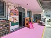 荒尾めぐみ幼稚園の広い玄関の写真
