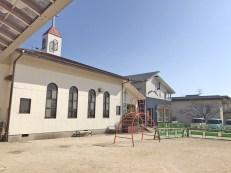 荒尾めぐみ幼稚園に隣接する荒尾教会の写真