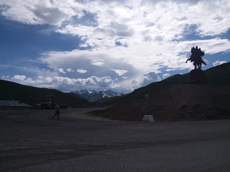 K in Motion Travel Blog. Silk Road to Western Kyrgyzstan. Suusamyr