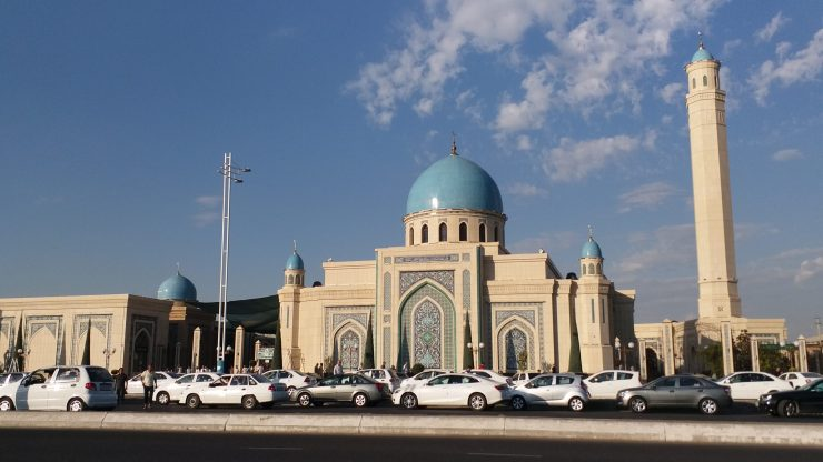 K in Motion Travel Blog. Underrated Uzbekistan. Mosque at Prayer Time