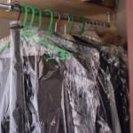 フォーマルな服に無印の衣類カバーを * これで虫とホコリの心配がいりません♪