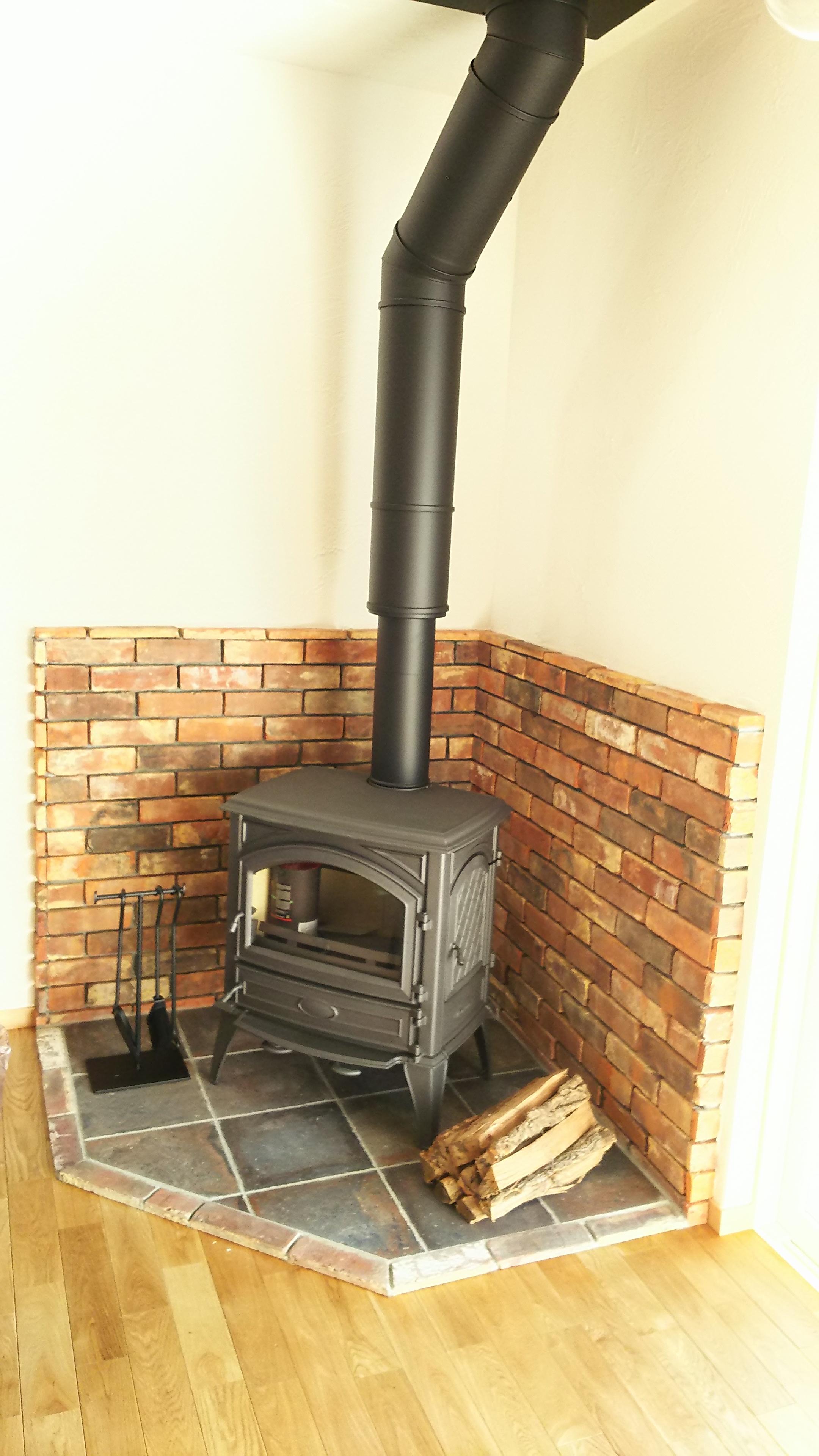暖炉があるとても暖かいお家