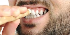 كيف تستخدم السواك بدلا من فرش الأسنان