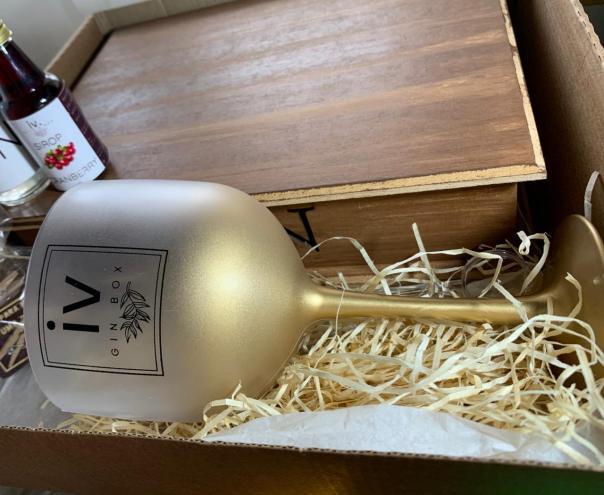 Taça Gin Degradê 580 dourada