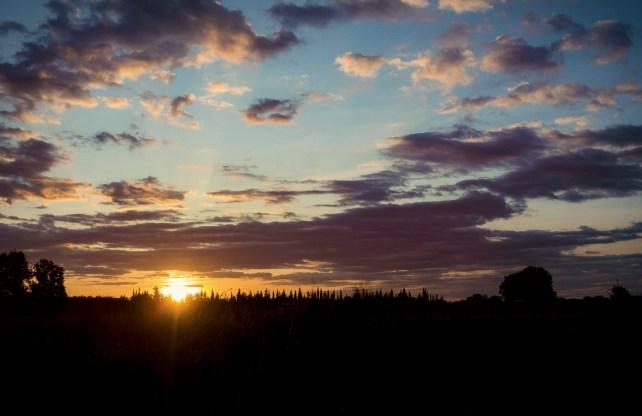 Lever de soleil sur Lunel... Eh oui ça commence à la nuit les concours et ça fini... à la nuit aussi.
