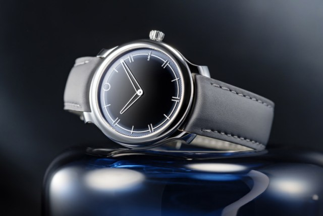 Introducing – The Ming 27.02 Gradient Guilloché