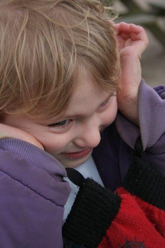 otizm- otist - otizm nedeni - otizmin nedeni - otizm tedavisi - davranışcı terapi - davranışcı tedavi - otizmin tedavisi - otizm sebebi - otizmin sebepleri - göz teması - göz kontağı - otizm olduğunu nasıl anlarım - otizm ne zaman çıkar - otizmli çocuk nasıl anlaşılır
