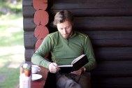 Helge leser