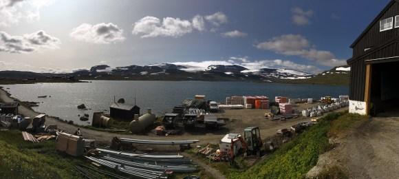 Finse (1222 moh.), med Hardangerjøkulen i bakgrunnen.
