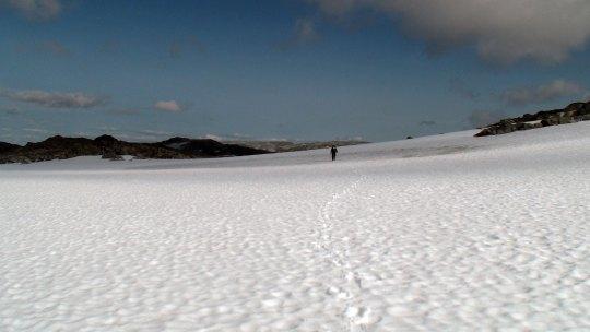 Ett av mange snøfelt. Fjellets motorveier.