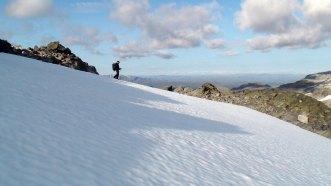 Snøfelt med Alan Kåsin i profil.