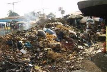 Insalubrité: Les commerçants du marché Gbessia saturé de tas d'immondices