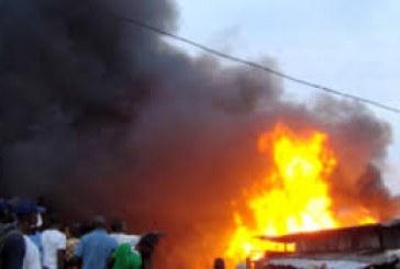 Kaloum : un incendie ravage l'ancien siège d'Électricité de Guinée