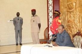 Le président CONDE dit avoir assez des sirènes des ministres