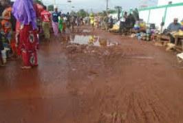Boké: A ce jour, cinq (05) motos tricycles sur 15, sont réhabilitées pour faire face à l'assainissement (Secrétaire général de la Commune)