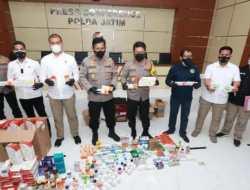 Polisi Tangkap Penjual Obat dan Vitamin Covid Ilegal di Surabaya