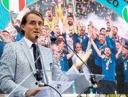 Tuliskan Tinta Emas Bersama Gli Azzuri, Mancini Bangga