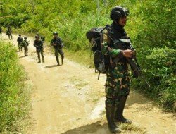 Pimpinan MIT tewas, Barang Bukti Senpi M16 Hingga Bom Disita Polisi