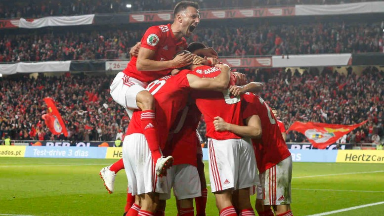 Sepak Bola Portugal SL Benfica