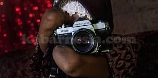 rosidah,fotografer,fotografer tanpa tangan