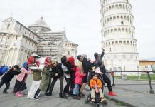 Penasaran Apa Kunci Sukses Pasutri Keliling Dunia Bersama 11 Anak ?