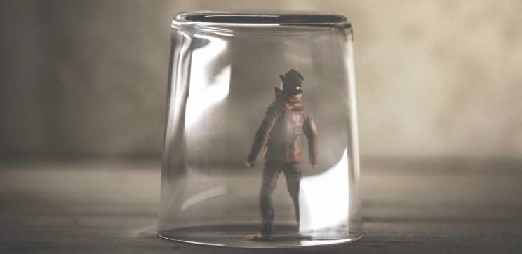瓶の中の男