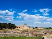 L'incompiuta viewed over the Roman spa complex