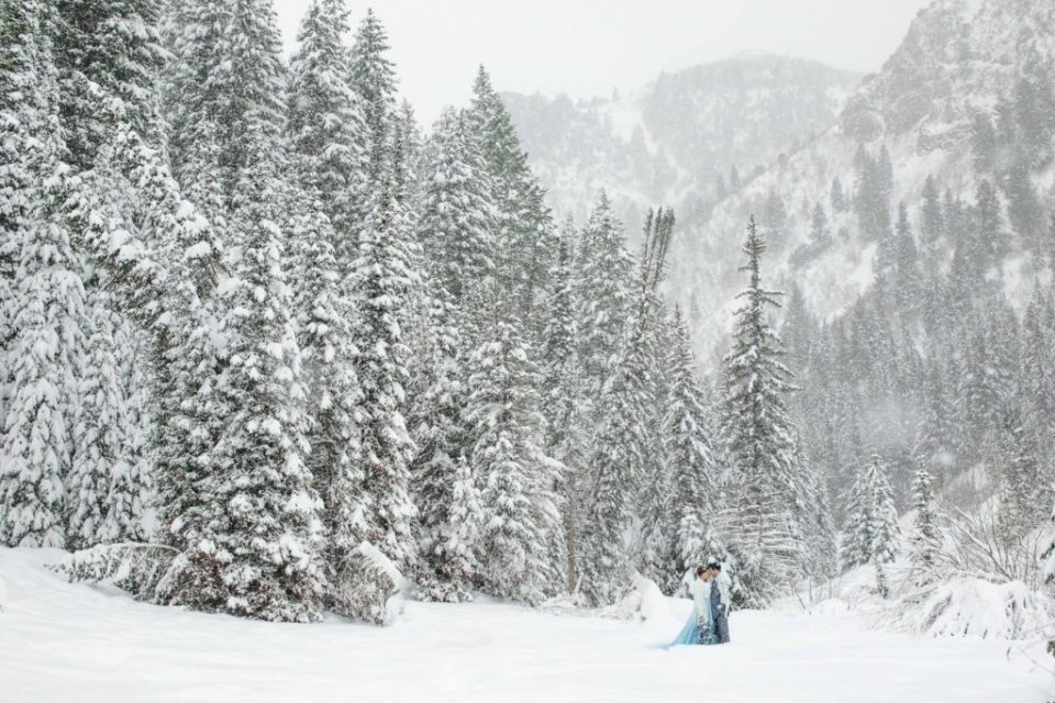 Best places to elope in Utah - Snowy mountain elopement