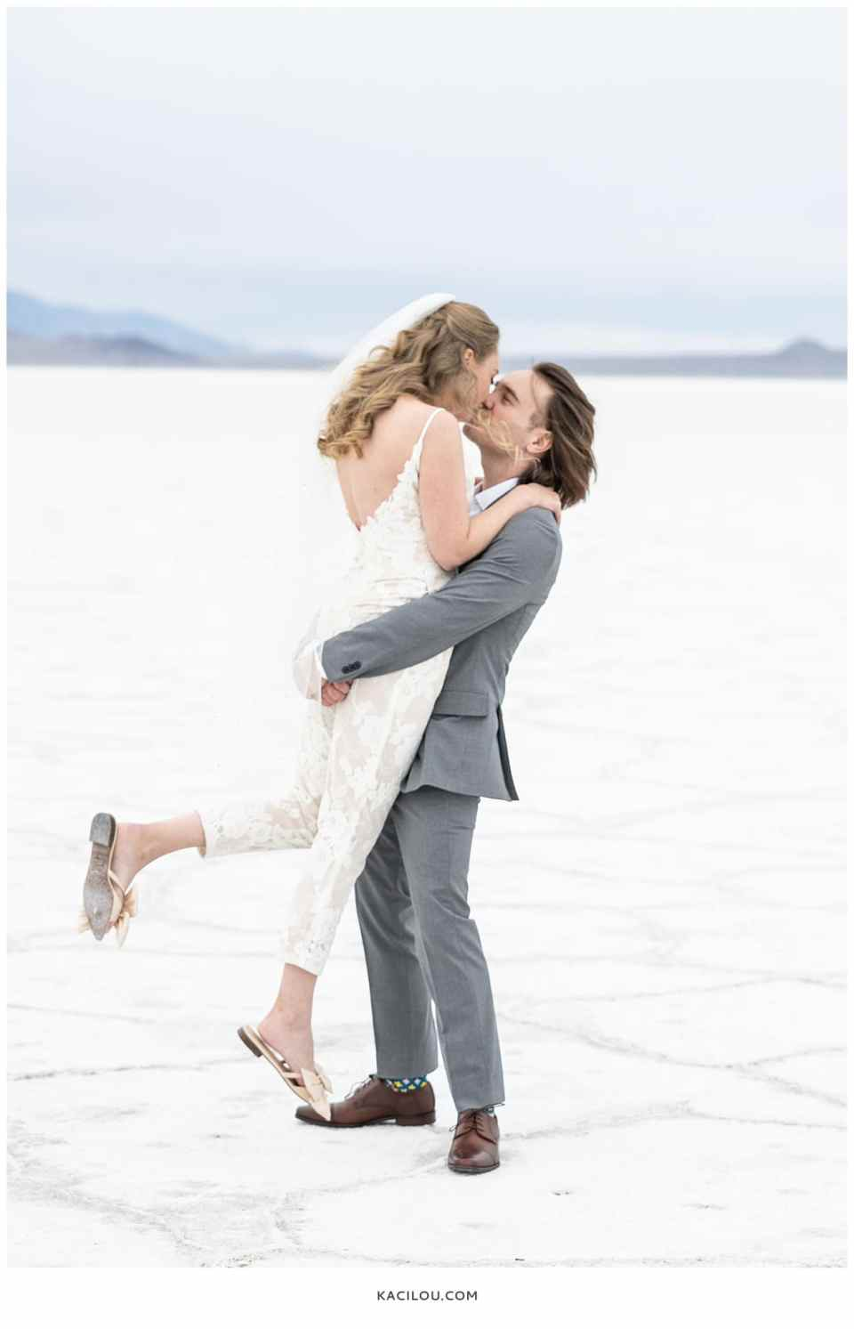 utah elopement photographer kaci lou photography bonneville salt flats sneak peek photos for kylie and max-20.jpg