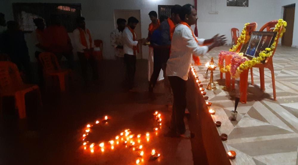 ಕಡಬ: ಹುತಾತ್ಮ ವೀರ ಯೋಧರಿಗೆ ಪುಷ್ಪ ನಮನದ ಮೂಲಕ ಶ್ರದ್ಧಾಂಜಲಿ