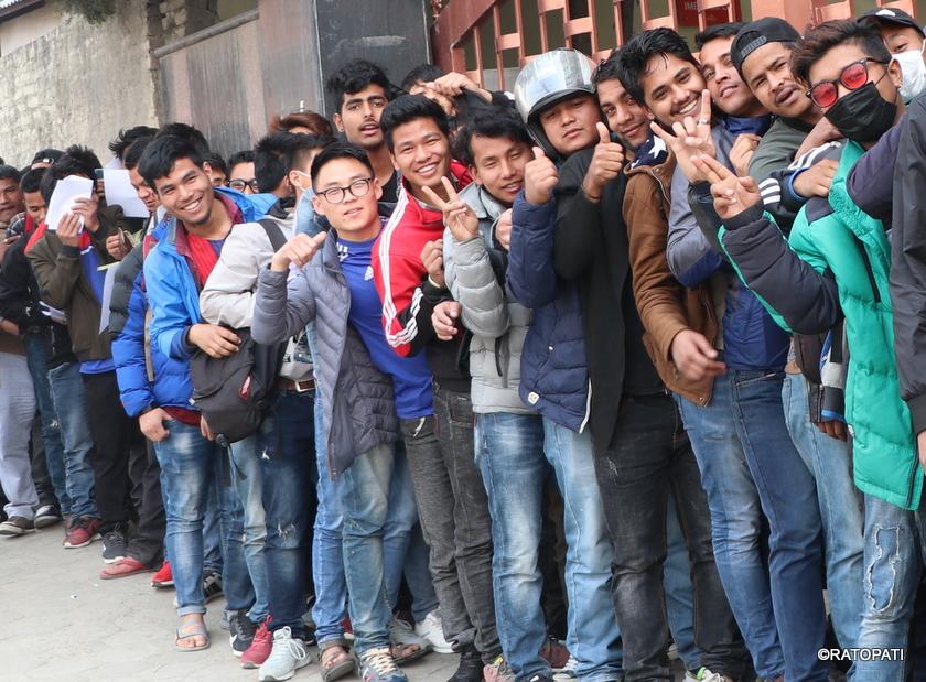 विश्वका विभिन्न कम्पनीहरुले कर्मचारी कटौती गर्दै, नेपाली फकनु पर्दा के हेला हालत ?