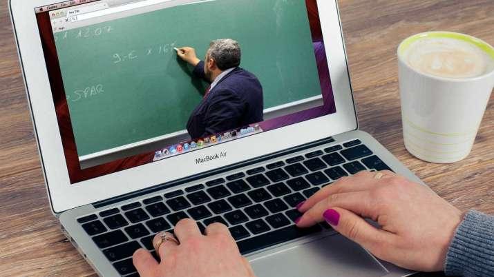 अललाइन कक्षा निर्देशिका जारी , कक्षामा अदरार्थी शब्दको प्रयोग गर्नुपर्ने