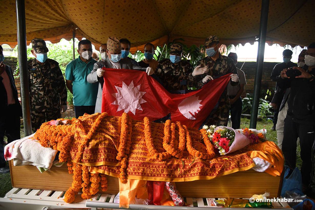 राष्ट्र कवि माधवप्रसाद घिमिरेको आजै राष्ट्रिय सम्मान साथ अन्त्यष्टि गरिदै