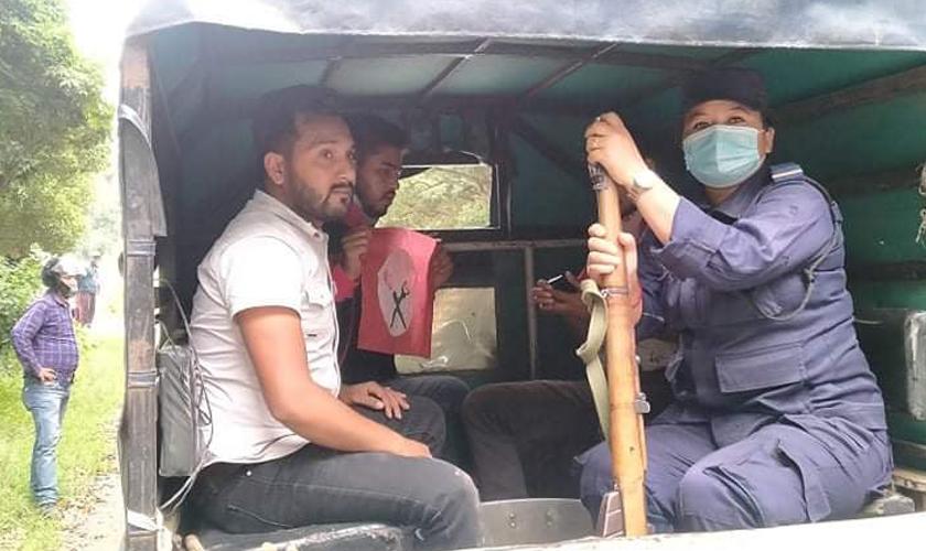 त्रिविबाट नेविसंघका तीन जना कार्यकर्ता गिरफ्तार
