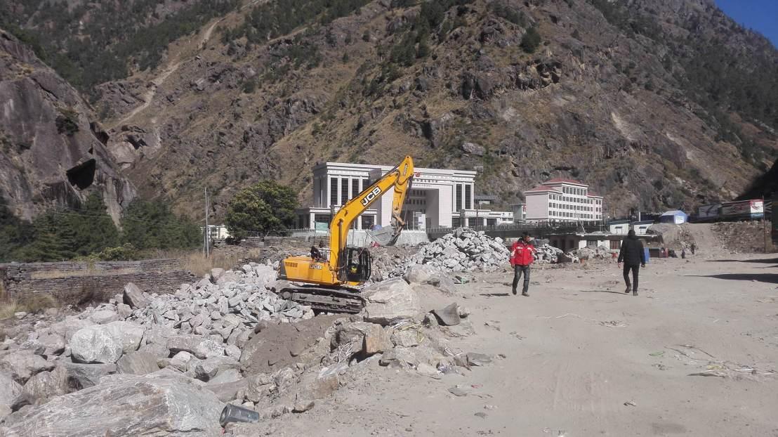 नेपाली भूभागमा चीनका भवन, नेपालीलाई लगायो रोक