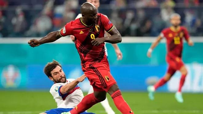 बेल्जियमले रुसलाई  ३–० गोलले हराउंदै जित