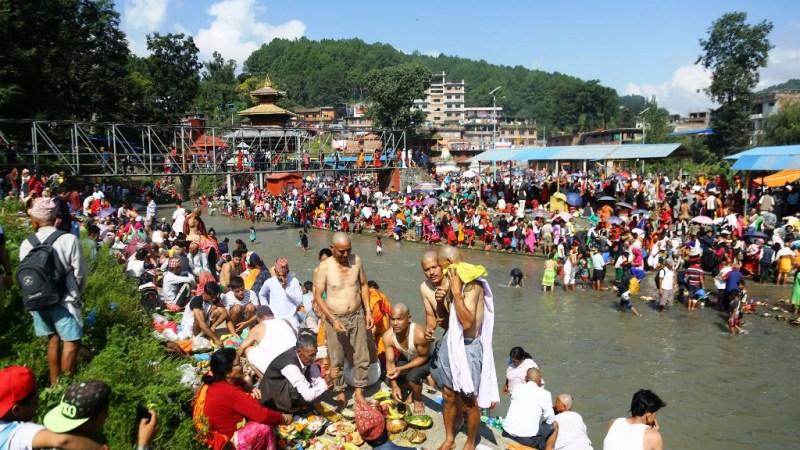 हिन्दू परम्पराअनुसार आज सोमबारदेखि पितृपक्ष अर्थात् सोह्रश्राद्ध शुरु
