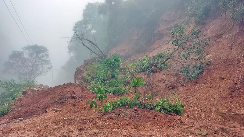 देशका विभिन्न जिल्लामा परेको अविरल वर्षाका कारण आएको बाढी र पहिरोबाट मंगलबार ३० जनाको मृत्यु