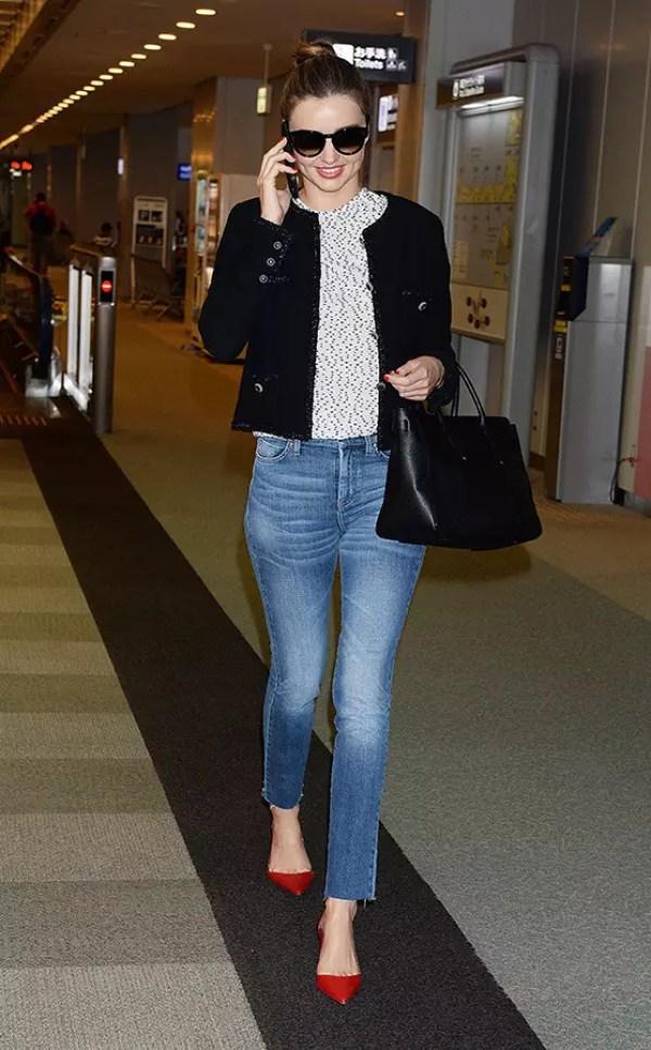 miranda_kerr_jeans_red_heels_street_style_19ldukj-19ldunn